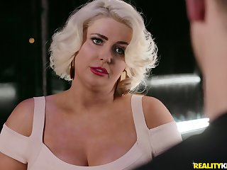 Blonde milf Kristina Shannon adores to fuck with her horny boyfriend
