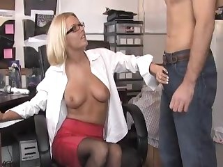 Office pussy licking hopes and a blowjob ends the day