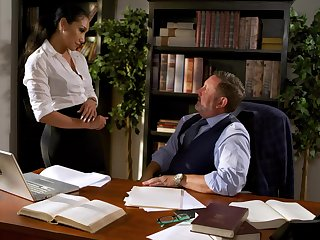 Making out awesome secretary Vicki Chase gets intimate with her old boss