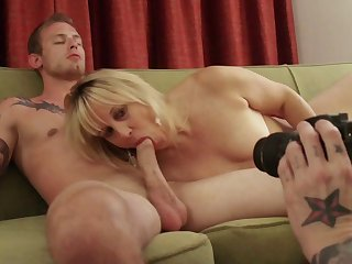 Homemade close up video with matured bungling Rebecca1 and her lover
