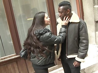 Huge perfidious dick goes loose in unconvincing anal aperture of white GF Mira Cuckold